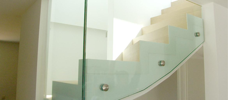 ganzglasgel nder ohne wand und deckenanschluss. Black Bedroom Furniture Sets. Home Design Ideas